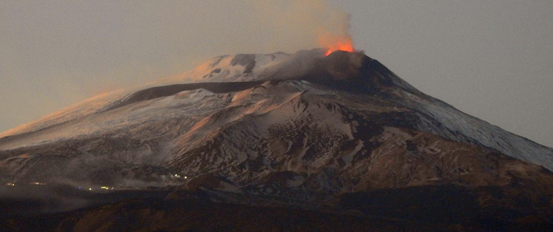 Vista eruzione etna crateri sommitali