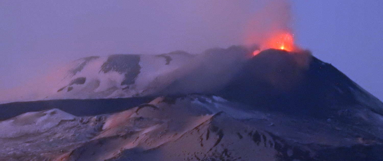 Improvvisa eruzione etna